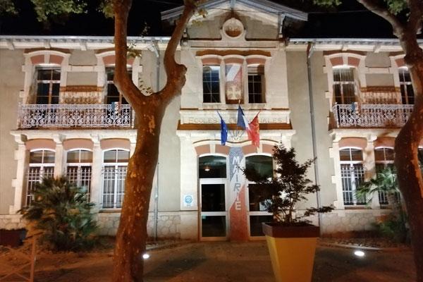 Mairie de Cers vue de nuit